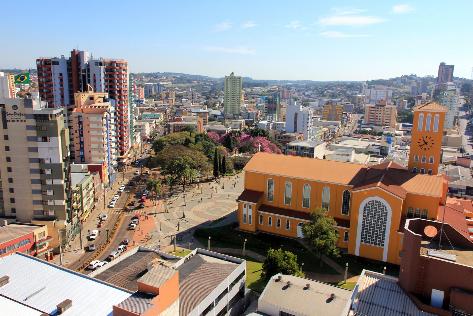 Pato Branco lidera na geração de empregos no Paraná e ocupa a 12ª posição no Brasil