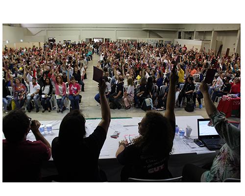 APP Sindicato prorrogou para março a decisão de greve na rede estadual de ensino