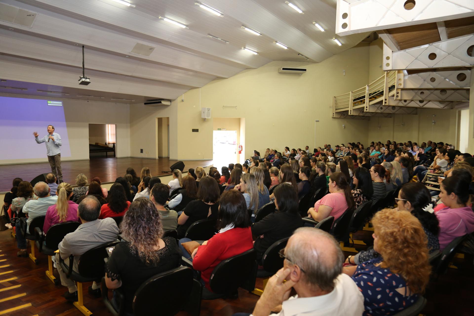 Equipes da Secretaria de Saúde participam de qualificação