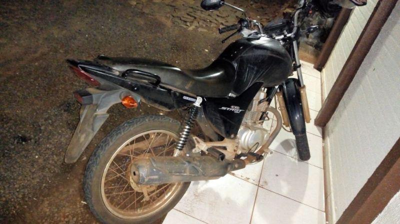 Moto furtada é recuperada pela Polícia Militar em Renascença