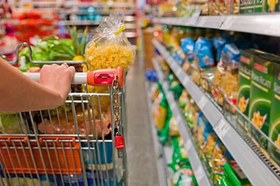Após começar o ano em alta, cesta básica de alimentos tem redução