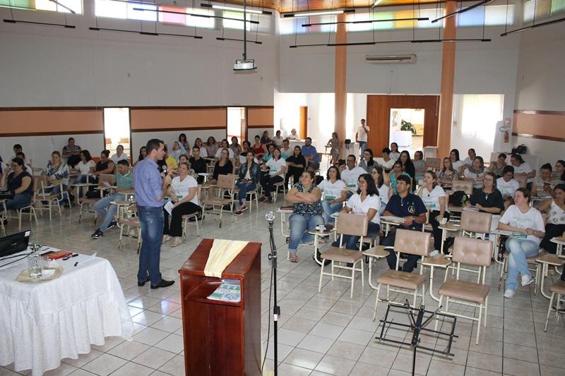 Escola Catequética estudou a liturgia e sacramentos da iniciação cristã