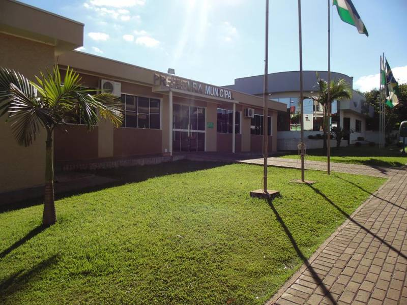 MPPR aciona ex-prefeito de Ampére e empresas por irregularidades em contratos