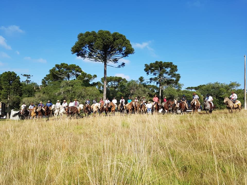 Cavalgada reviveu trabalho dos tropeiros nos Campos de Palmas