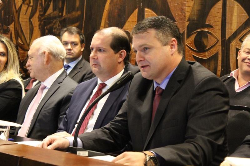 Ex-presidente da Amsop e prefeito de Coronel Vivida assume AMP