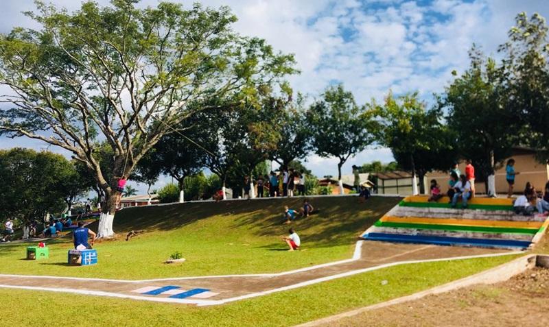 Sessão solene e inauguração de praça homenageia maristas em Itapejara do Oeste