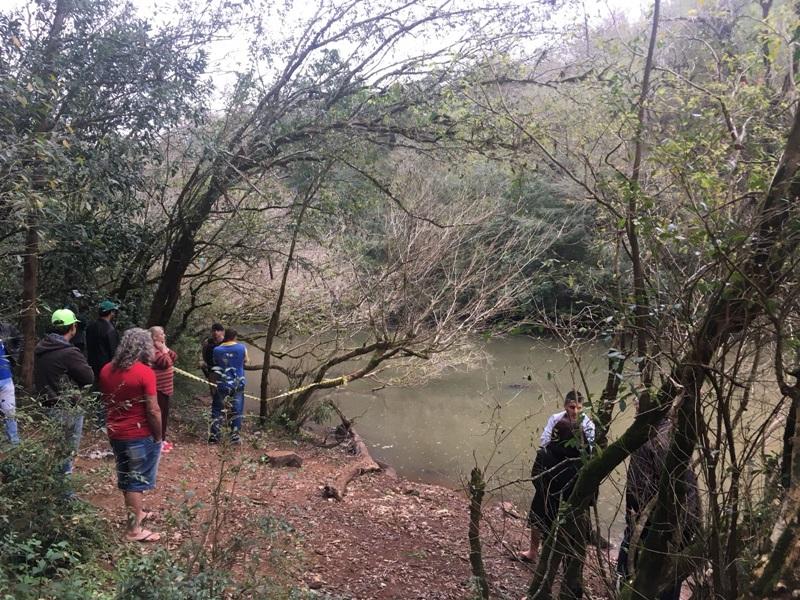 Polícia Civil investiga morte de mulher no rio Cotegipe, em Salto do Lontra