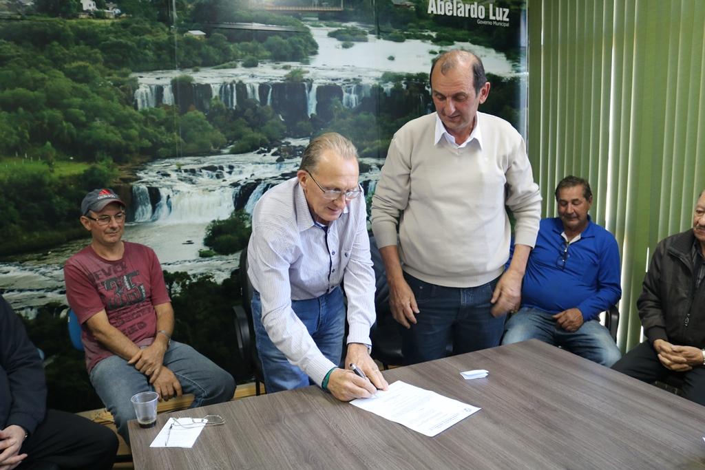 Abelardo Luz com novo secretário de agricultura