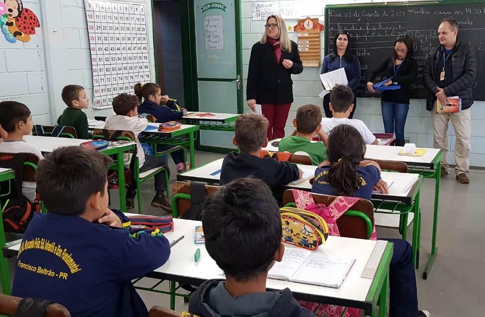"""Pareceria entre Poupa Tempo e Correios cria o projeto """"CPF Infantil na Escola"""""""