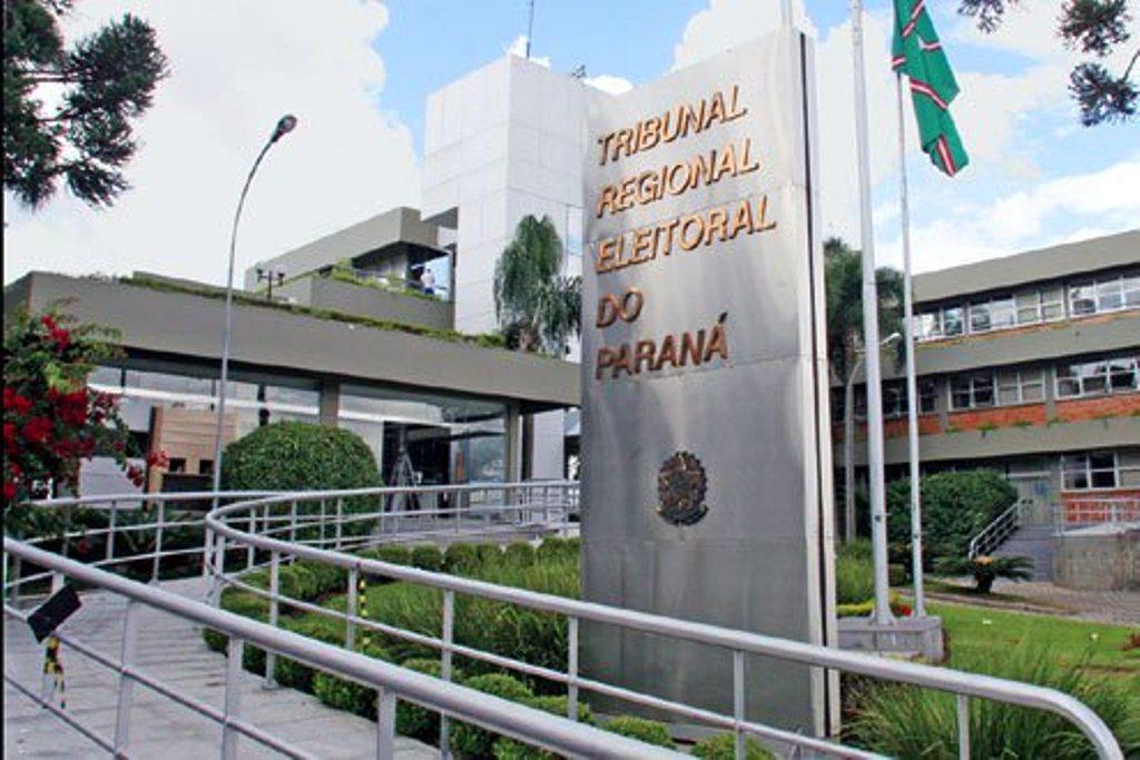 TRE/PR adia julgamento do vereador Zico do Mercadão
