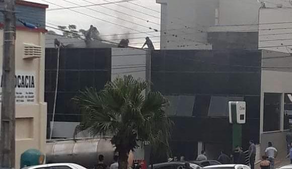 Princípio de incêndio no Sicredi em São João