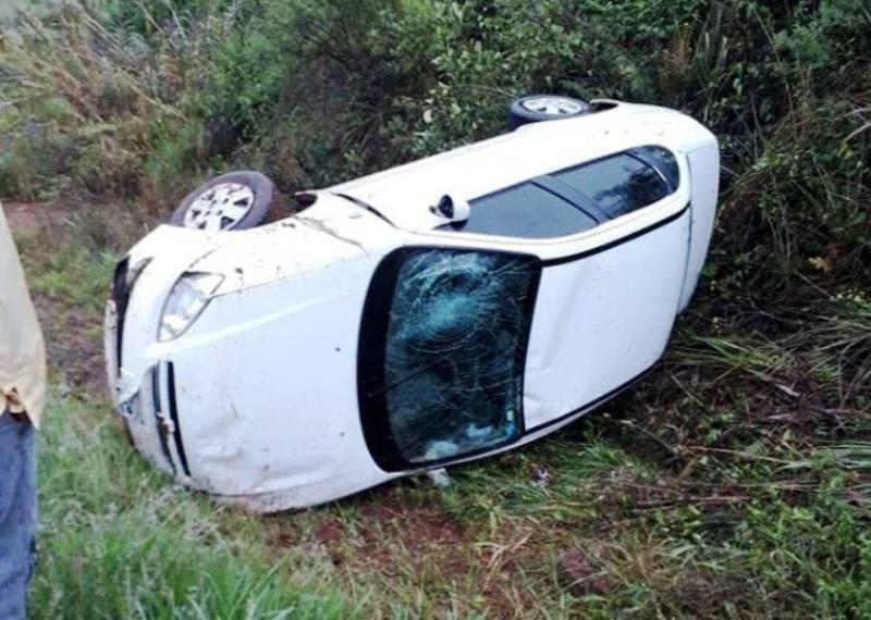 Motorista sai ileso de capotamento na PR-158