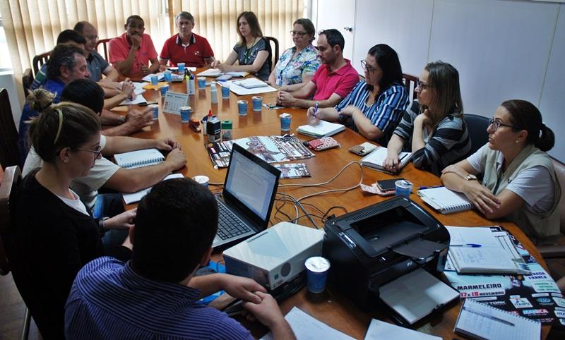 Administração discute ações de combate a dengue em Marmeleiro