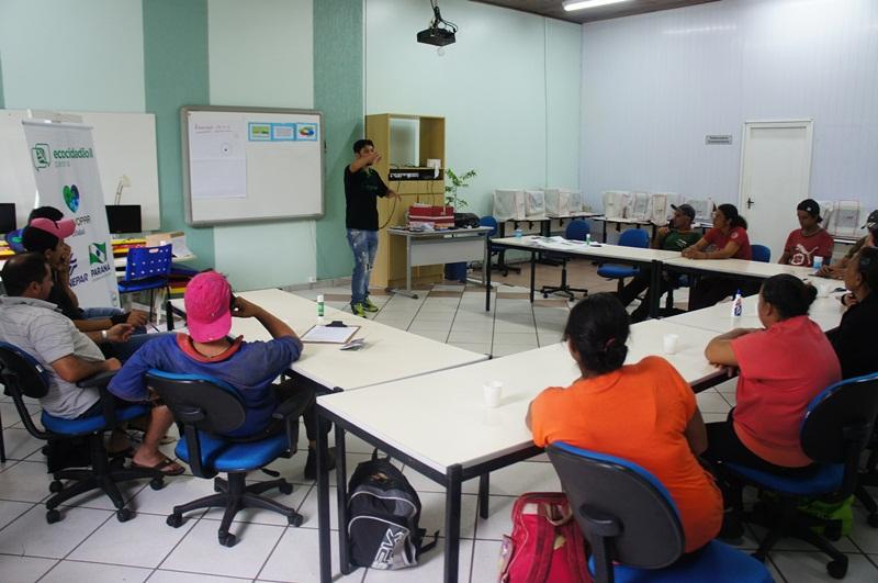 ACMR encerra treinamento de catadores de recicláveis em Marmeleiro