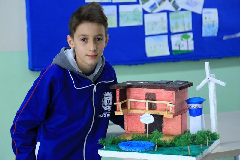 Maquetes de casas sustentáveis demonstram criatividade e consciência ambiental
