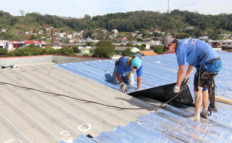 Prefeitura aciona empresa que instalou a manta no ginásio Arrudão