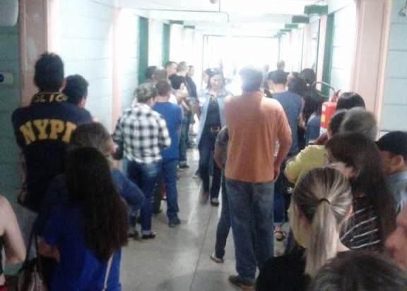Muitas filas nas seções eleitorais de Francisco Beltrão