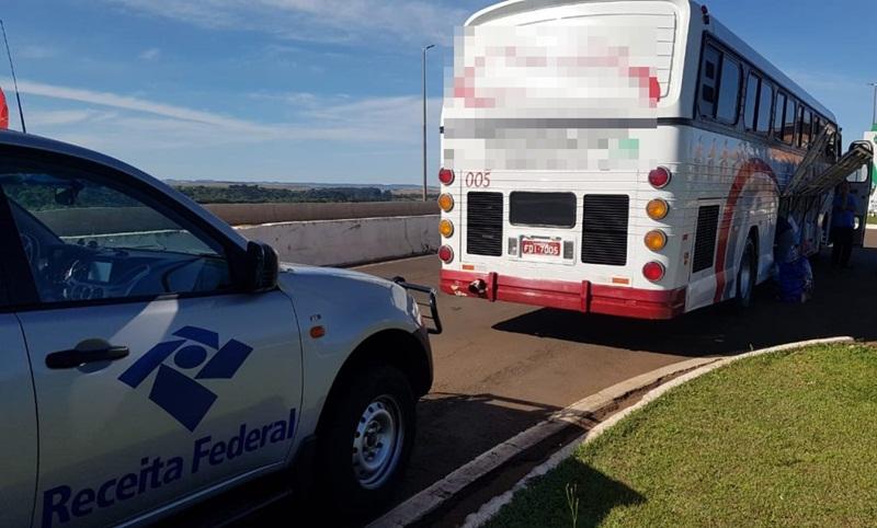 Receita Federal apreende ônibus com contrabando na BR-277, em Candói