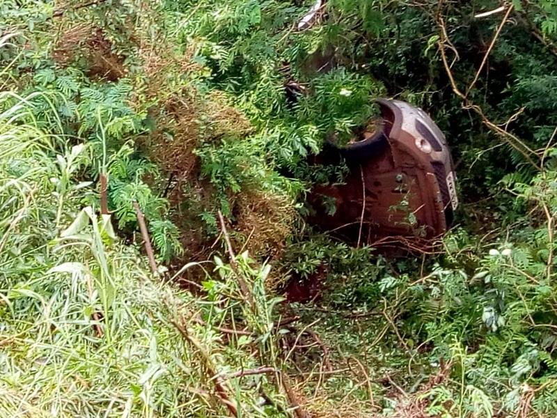 Motorista bêbado capota carro na PR-280