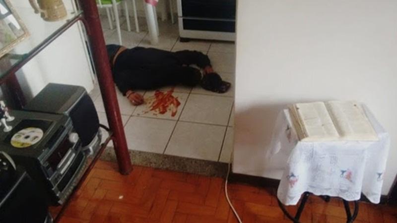 Com ketchup, suspeito encena própria morte para escapar da polícia