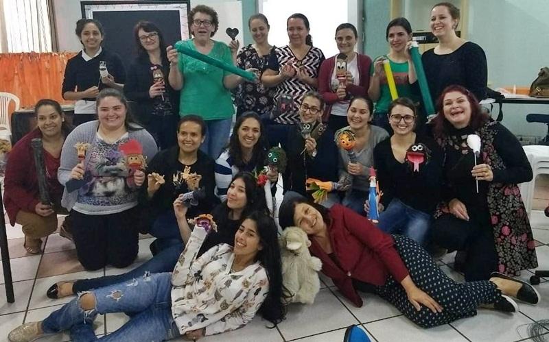 Professores de Marmeleiro participam de curso de formação