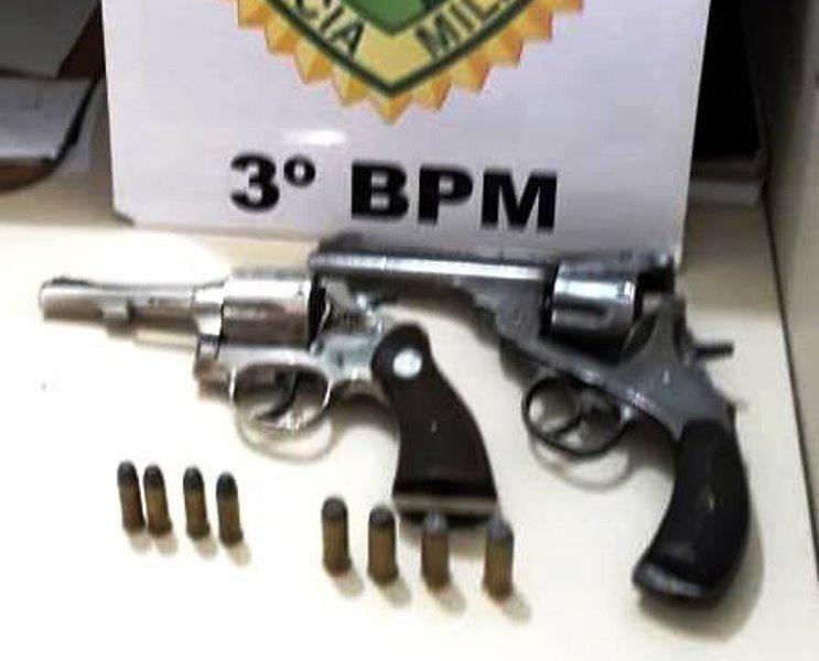 Polícia recupera veículo furtado e apreende duas armas de fogo em Mangueirinha
