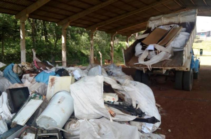 Mutirão de combate a dengue recolhe 50 toneladas de lixo em Chopinzinho