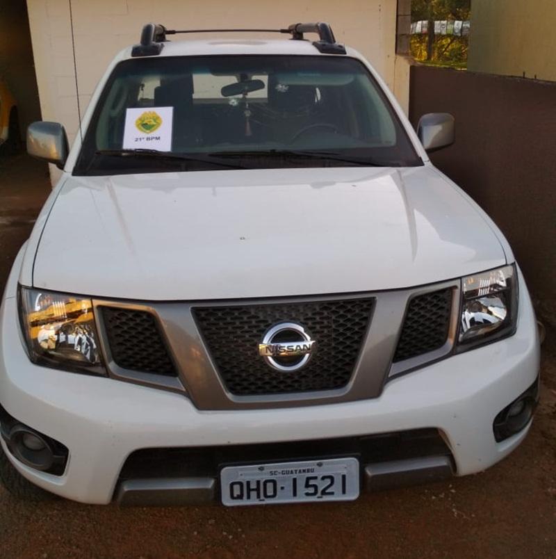 PM recupera camionete roubada e prende integrantes de quadrilha