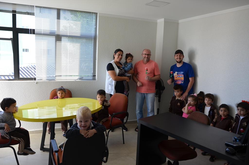 Alunos da Eispal visitam estúdios das Rádios Club e Horizonte FM