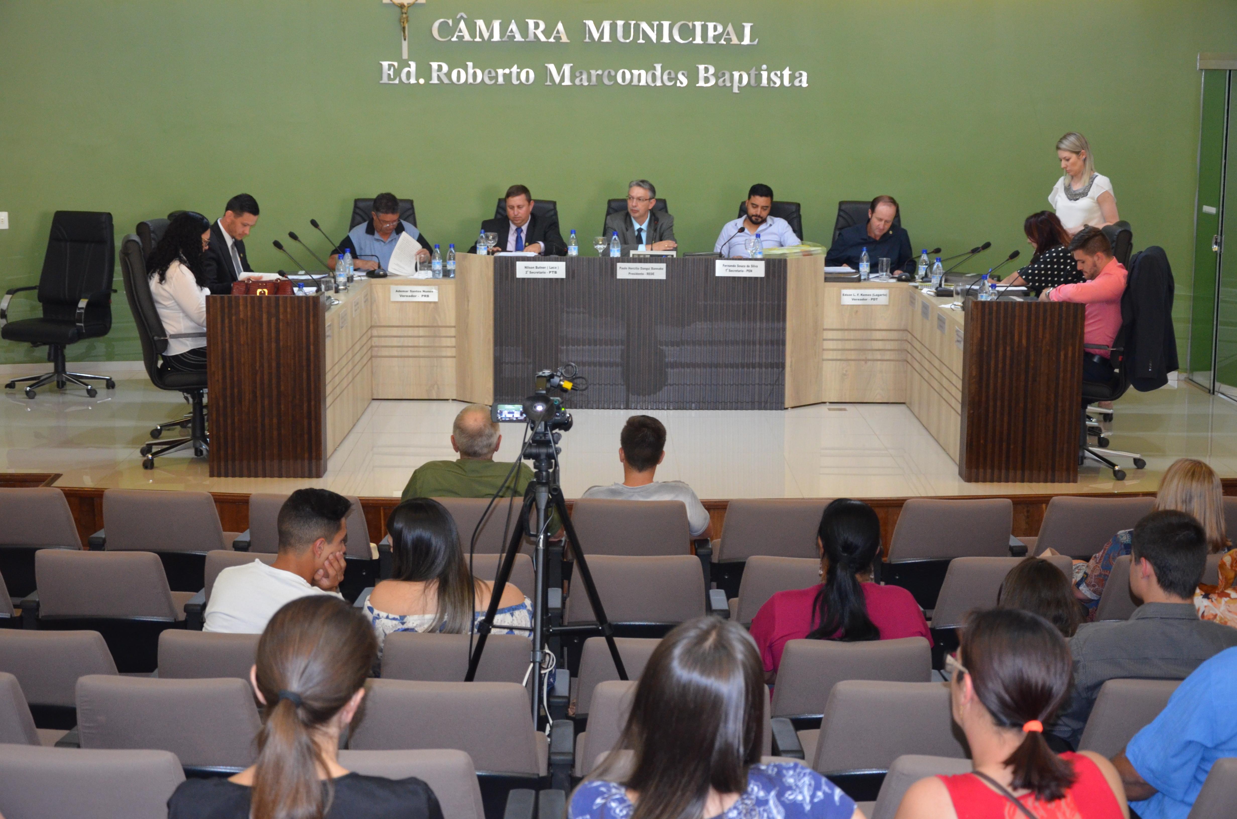 Legislativo de Palmas realiza sessão de votações e homenagens