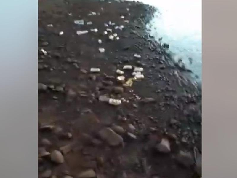 Lixo deixado na prainha de Rio Bonito do Iguaçu revolta população