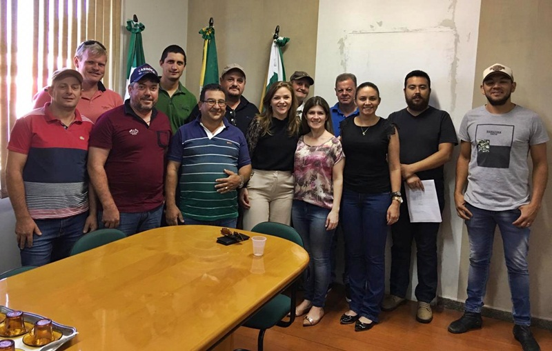 Deputada Leandre visita Rio Bonito do Iguaçu e anuncia entrega de equipamentos