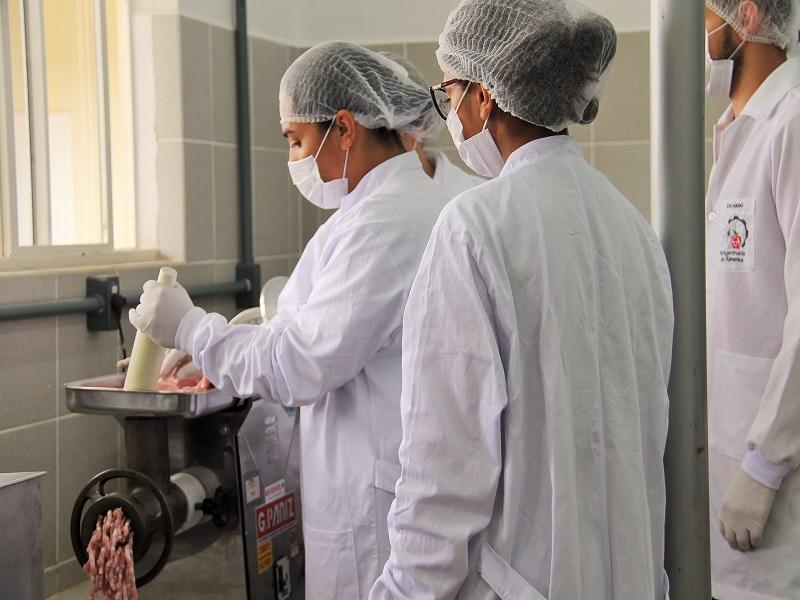 UTFPR oferta vagas em Engenharia Ambiental e Engenharia de Alimentos