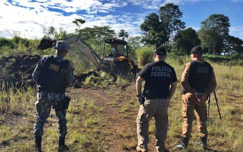 Polícia Federal destrói passagens ilegais na fronteira Brasil – Argentina