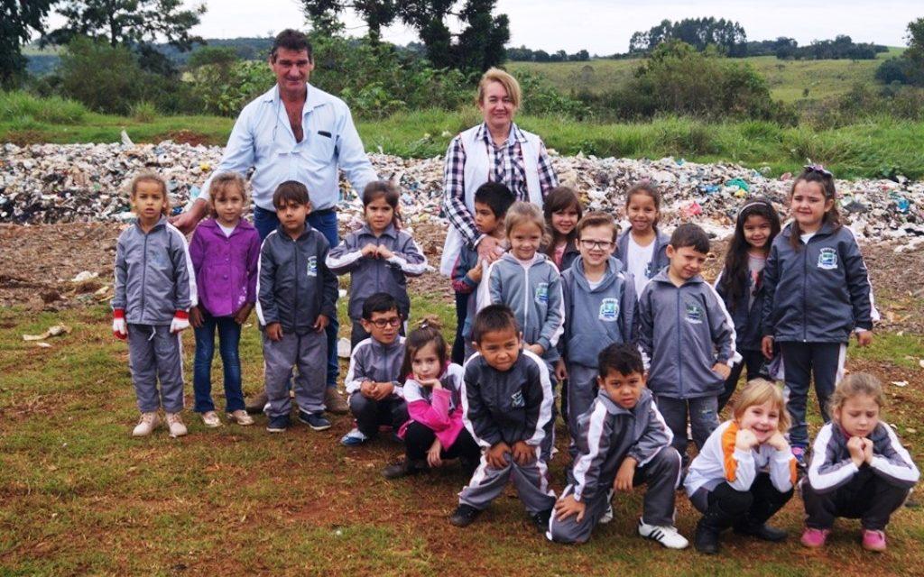 Crianças visitam o Aterro Sanitário de Saudade do Iguaçu