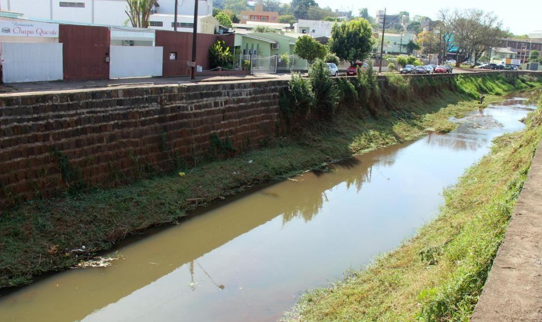 Crime ambiental é registrado no Rio Lonqueador, em Francisco Beltrão