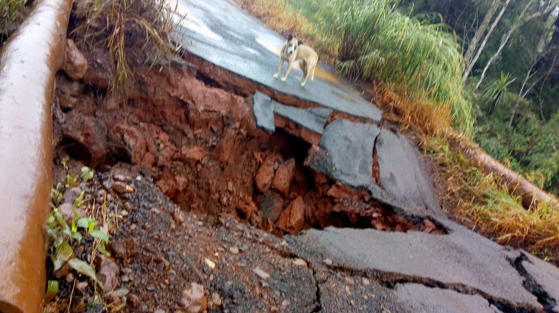 Excesso de chuva danifica estradas rurais em municípios da região