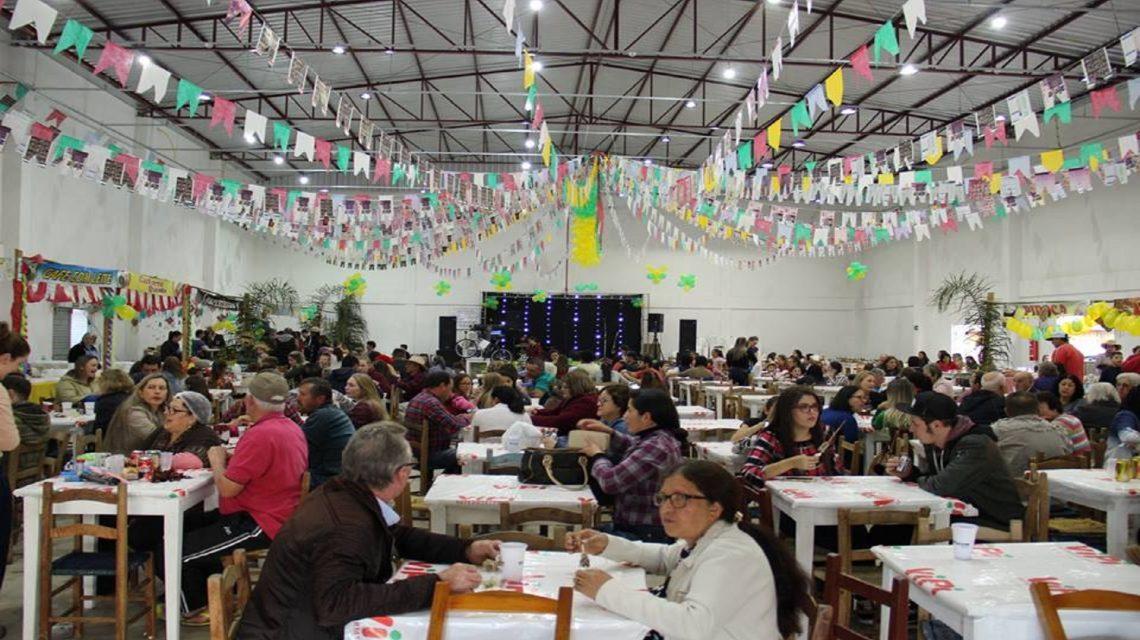 Paróquia Nossa Senhora Aparecida realiza neste sábado tradicional festa junina