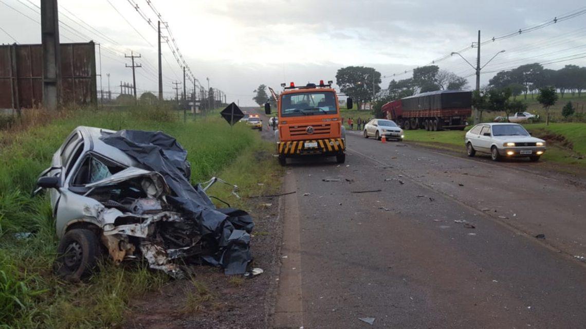Acidente entre carro e caminhão deixa uma vítima fatal em Realeza