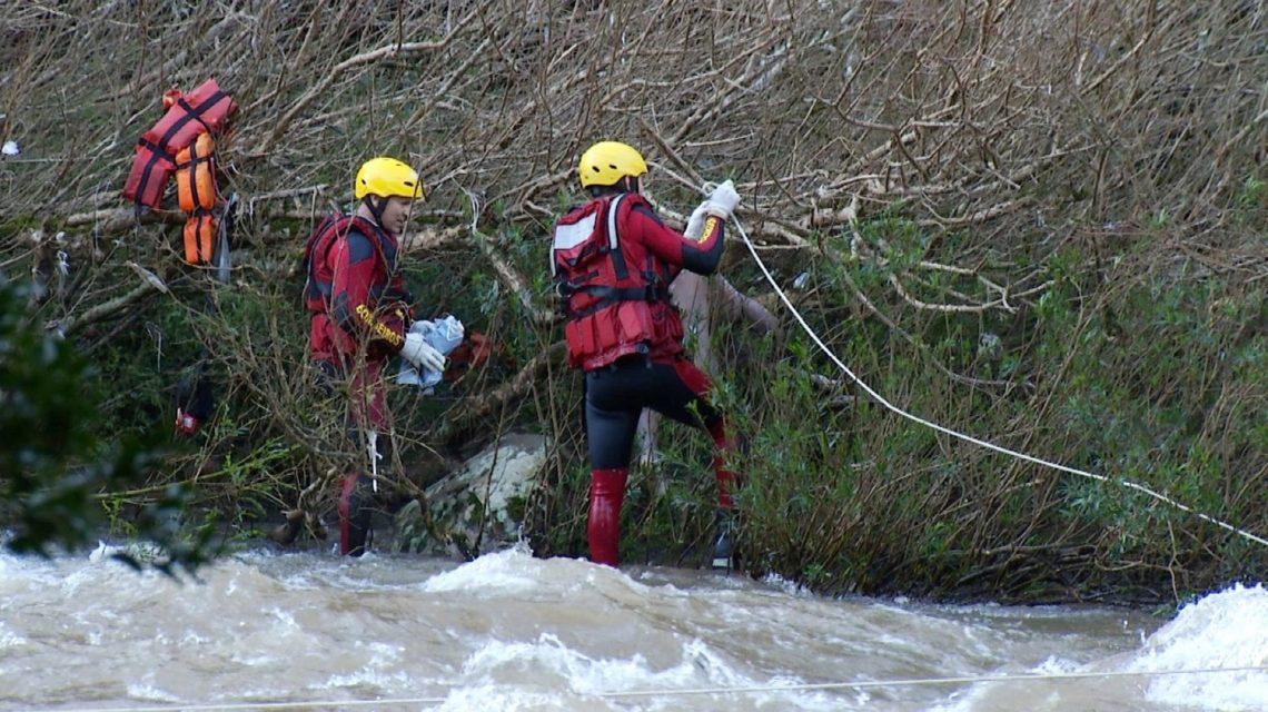 Corpo de homem que caiu com carro no Rio Marrecas é encontrado