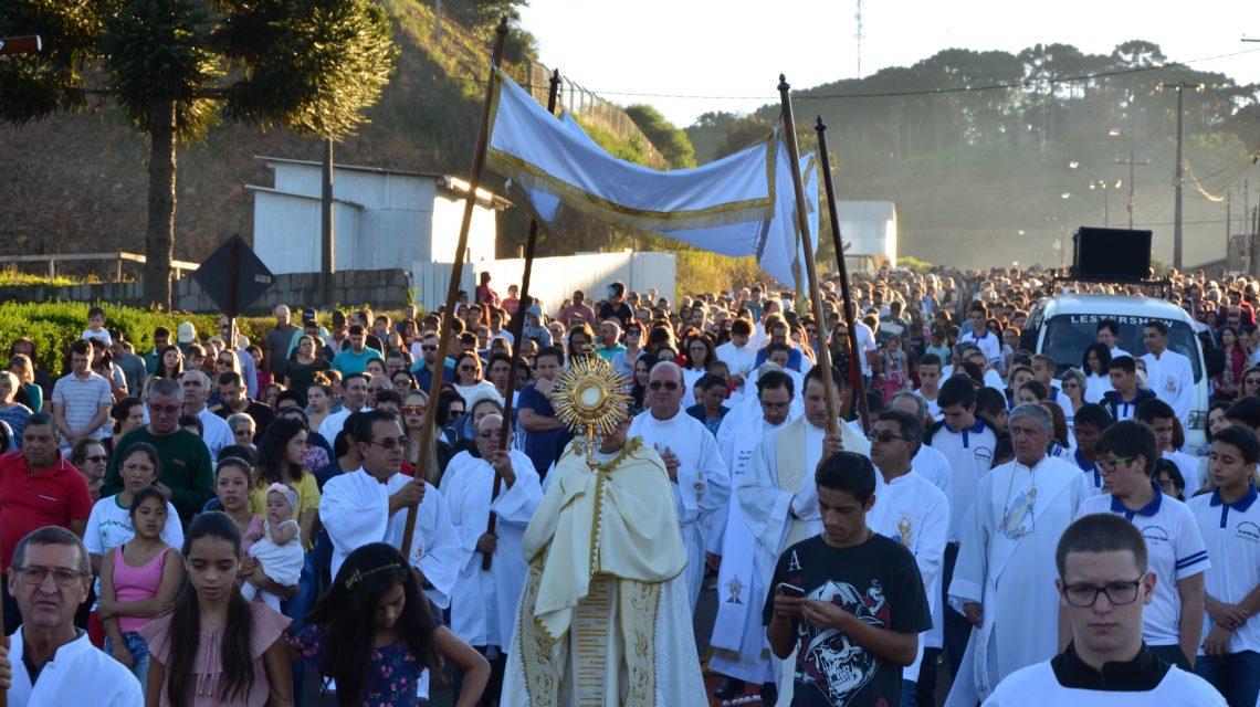 Corpus Christi em Palmas reuniu multidão de católicos
