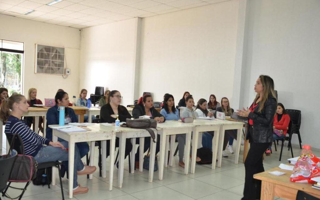 Professores da rede municipal de Francisco Beltrão aprimoram conhecimento
