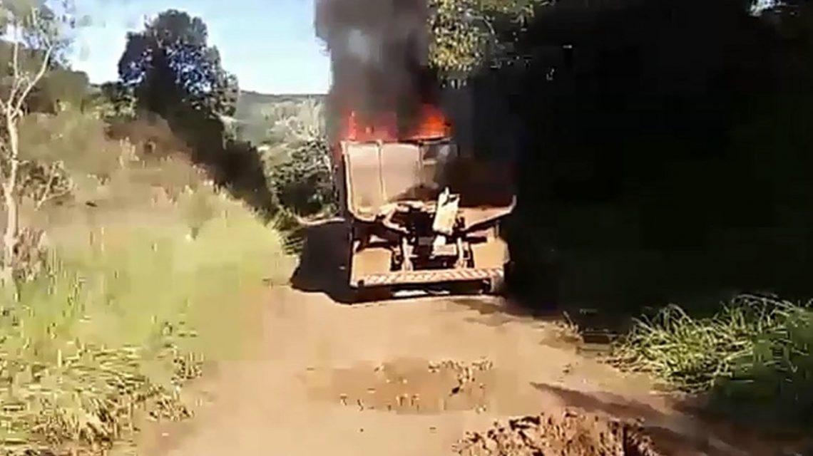 Caminhão da Prefeitura de Candói pega fogo e fica completamente destruído