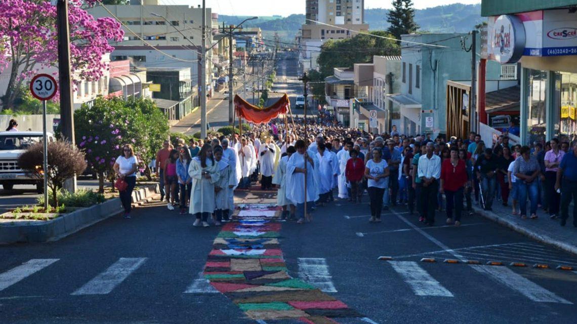Celebração de Corpus Christi reúne católicos em Chopinzinho