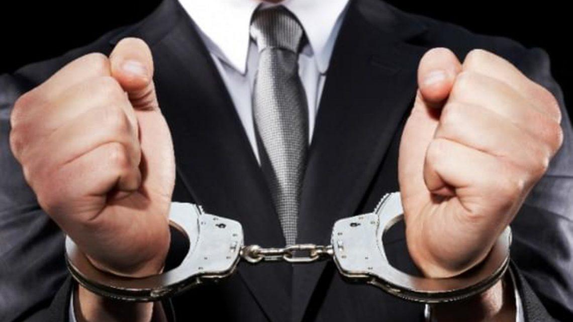Advogado acusado de falsificar contratos de clientes é preso em Guarapuava