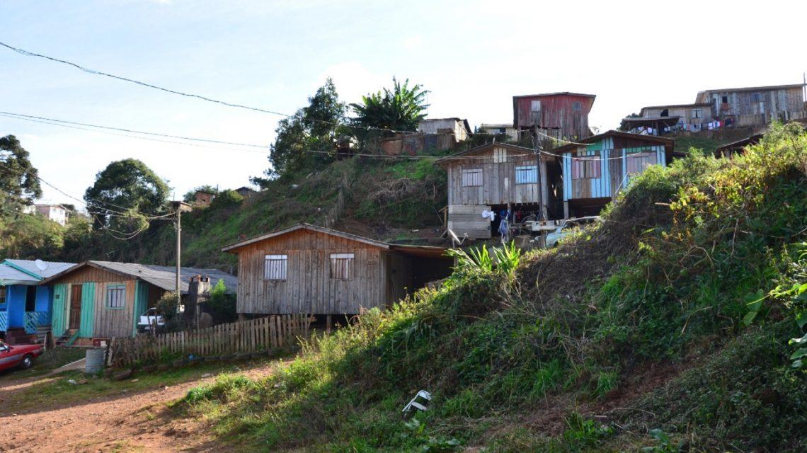 Justiça determina desocupação de imóveis em área de risco em Palmas
