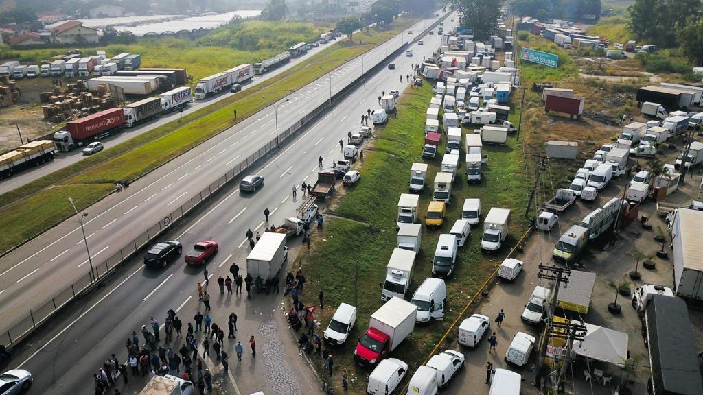 Caminhoneiros dizem estar otimistas com acordo, após negociações