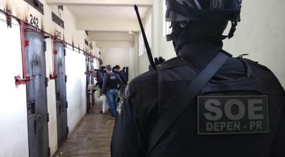 Agentes penitenciários participam de operação contra facções criminosas
