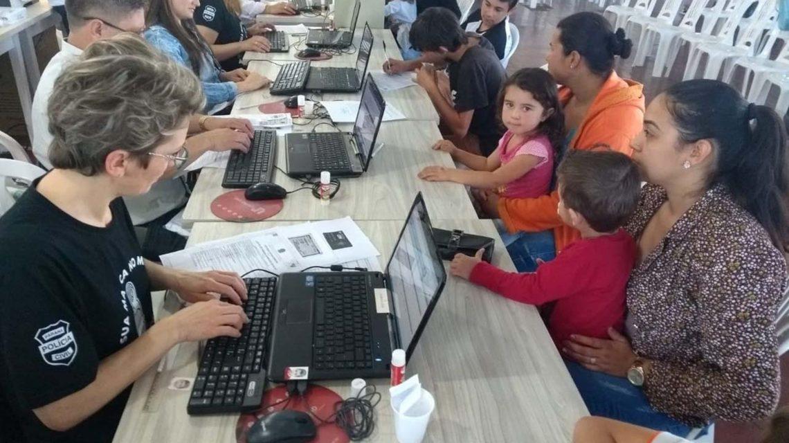 Mulher de 43 anos garante primeiros documentos em Santa Izabel D´Oeste através do Paraná Cidadão