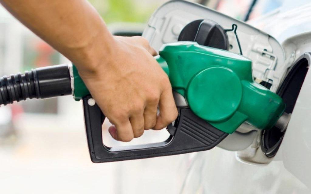 Após três meses Petrobras aumenta preço de diesel e gasolina